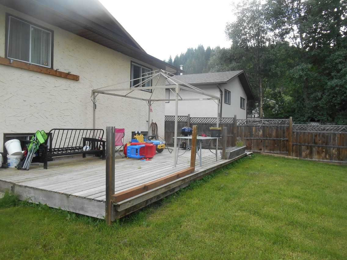 Photo 17: Photos: 748 OCHAKWIN Crescent in Prince George: Foothills House for sale (PG City West (Zone 71))  : MLS®# R2082911