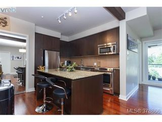 Photo 3: 301 1395 Bear Mountain Pkwy in VICTORIA: La Bear Mountain Condo for sale (Langford)  : MLS®# 760871