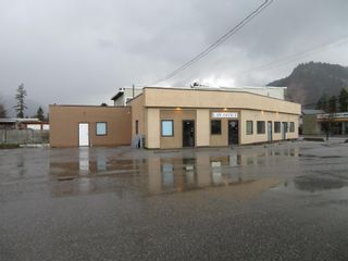 Photo 1: 2001 Miller Street, in Lumby: Business for sale : MLS®# 10236061