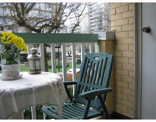 "Photo 9: 203 1125 GILFORD Street in Vancouver: West End VW Condo for sale in ""GILFORD COURT"" (Vancouver West)  : MLS®# V700967"