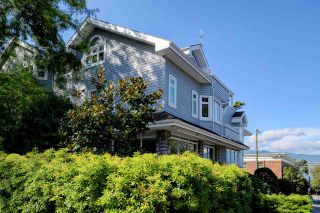 Photo 1: 2315 YORK AVENUE in Vancouver: Kitsilano Townhouse for sale (Vancouver West)  : MLS®# R2202373