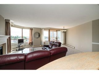 """Photo 3: 812 15111 RUSSELL Street: White Rock Condo for sale in """"PACIFIC TERRACE"""" (South Surrey White Rock)  : MLS®# R2593508"""