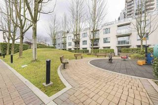 "Photo 13: 505 125 MILROSS Avenue in Vancouver: Downtown VE Condo for sale in ""CREEKSIDE"" (Vancouver East)  : MLS®# R2567212"