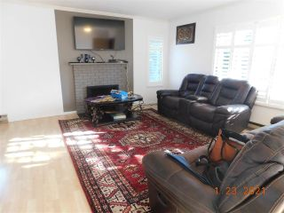 """Photo 1: 818 10620 150 Street in Surrey: Guildford Townhouse for sale in """"LINCOLN'S GATE"""" (North Surrey)  : MLS®# R2529461"""