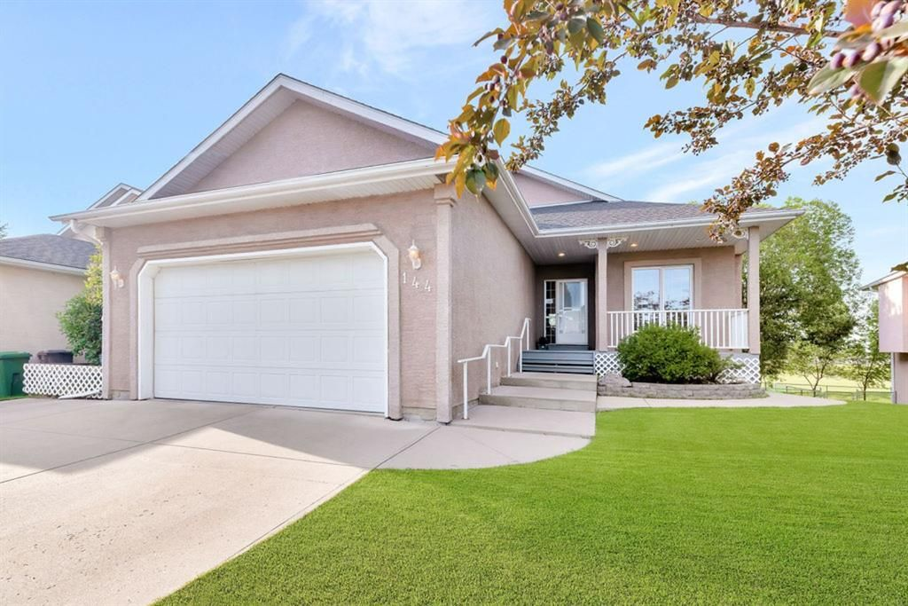 Main Photo: 144 Lakeside Greens Drive: Chestermere Detached for sale : MLS®# A1017295