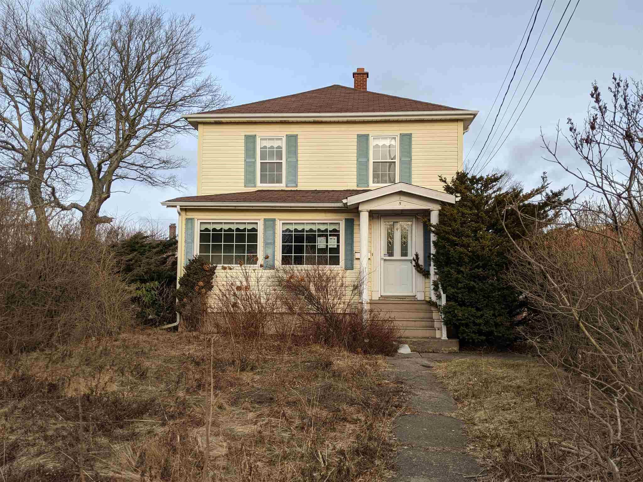 Main Photo: 5 Pleasant Street in Glace Bay: 203-Glace Bay Residential for sale (Cape Breton)  : MLS®# 202102382