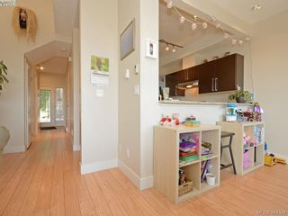 Photo 8: 2094 Greenhill Rise in VICTORIA: La Bear Mountain Row/Townhouse for sale (Langford)  : MLS®# 790545