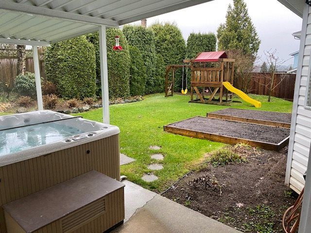 """Photo 15: Photos: 34914 OAKHILL Drive in Abbotsford: Abbotsford East House for sale in """"McMillan"""" : MLS®# R2523940"""