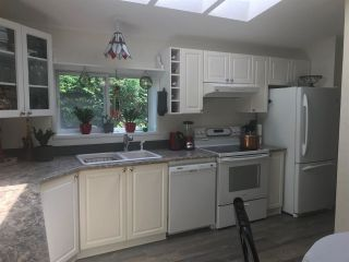Photo 10: 36 41168 LOUGHEED Highway: Manufactured Home for sale in Mission: MLS®# R2578557