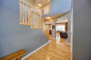 Photo 10: 323 Discovery Place SW in Calgary: Discovery Ridge Detached for sale : MLS®# A1141184