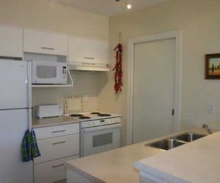 """Photo 2: 204 1688 CYPRESS ST in Vancouver: Kitsilano Condo for sale in """"YORKVILLE SOUTH"""" (Vancouver West)  : MLS®# V604149"""