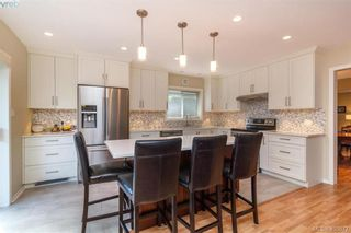 Photo 12: 4421 Bartholomew Pl in VICTORIA: SE Gordon Head House for sale (Saanich East)  : MLS®# 799913