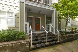 """Photo 3: 61 7388 MACPHERSON Avenue in Burnaby: Metrotown Townhouse for sale in """"ACACIA GARDENS"""" (Burnaby South)  : MLS®# R2166985"""