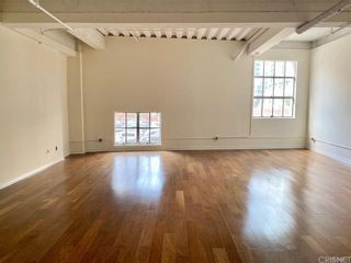 Photo 4: 312 W 5th Street Unit M10 in Los Angeles: Residential for sale (C42 - Downtown L.A.)  : MLS®# SR21201772