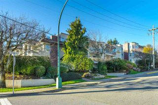 "Photo 2: 411 1225 MERKLIN Street: White Rock Condo for sale in ""ENGLESEA MANOR II"" (South Surrey White Rock)  : MLS®# R2530907"