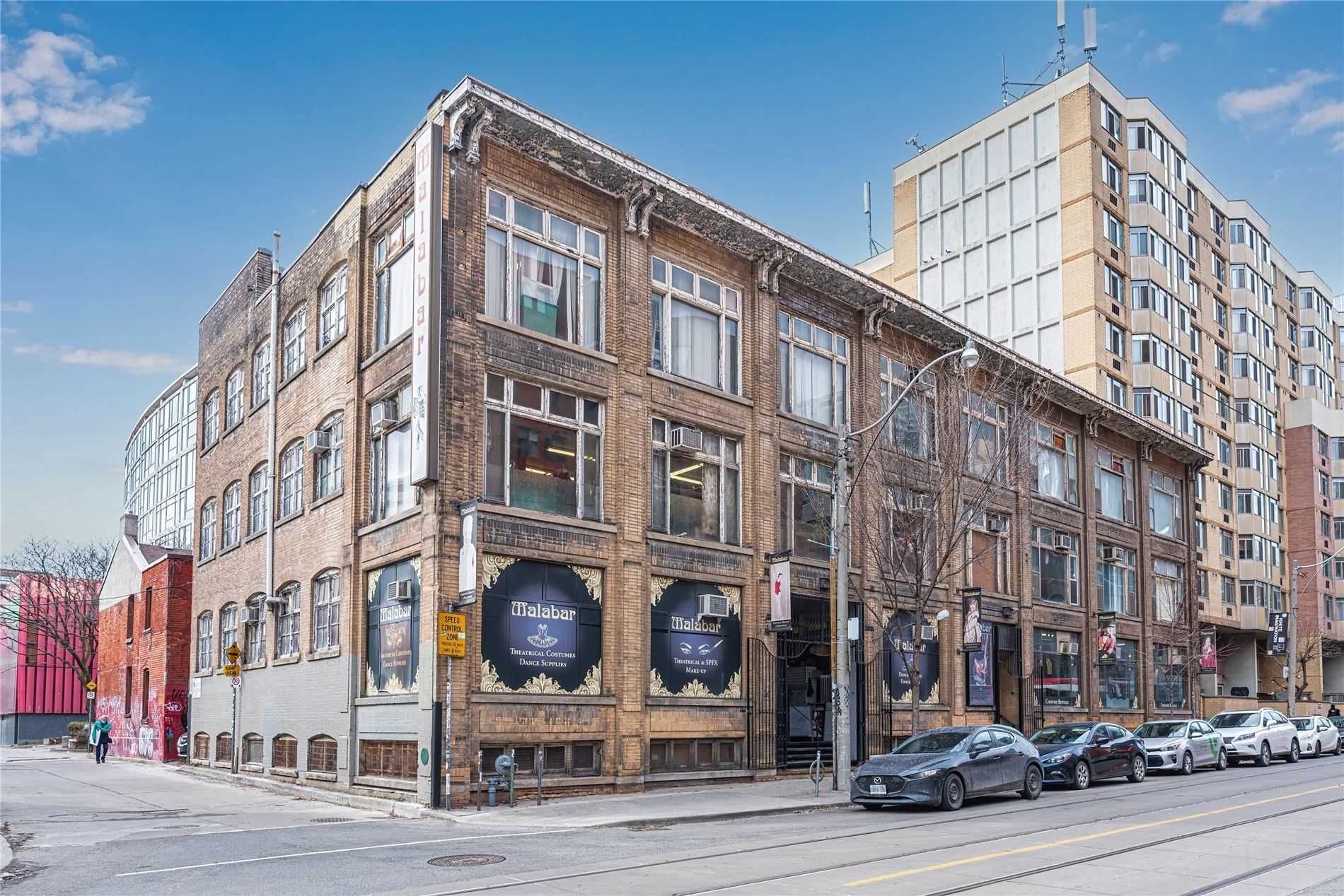 Main Photo: 14 Mccaul Street in Toronto: Kensington-Chinatown Property for sale (Toronto C01)  : MLS®# C5155685