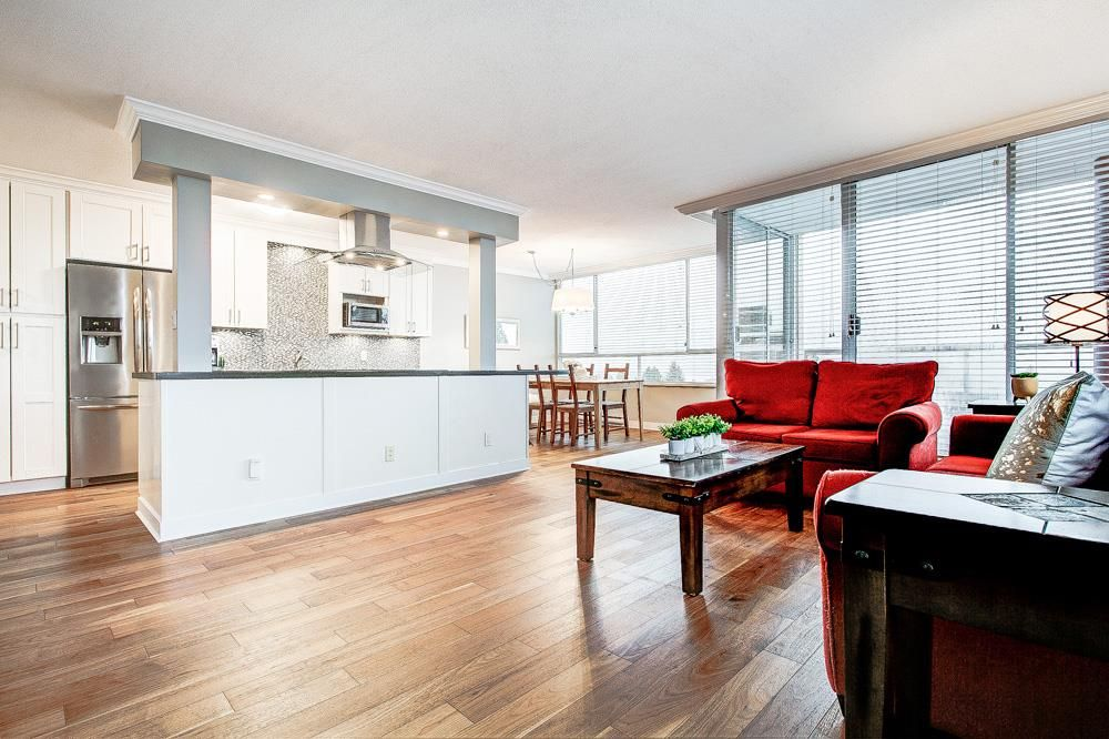 """Main Photo: 904 11980 222 Street in Maple Ridge: West Central Condo for sale in """"Gordon Towers"""" : MLS®# R2522721"""