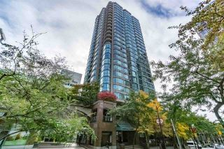 "Photo 1: 401 888 HAMILTON Street in Vancouver: Downtown VW Condo for sale in ""ROSEDALE GARDEN"" (Vancouver West)  : MLS®# R2215482"