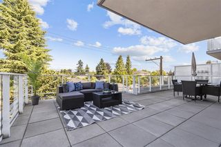 """Photo 3: W305 677 W 41ST Avenue in Vancouver: Oakridge VW Condo for sale in """"41 West"""" (Vancouver West)  : MLS®# R2605718"""