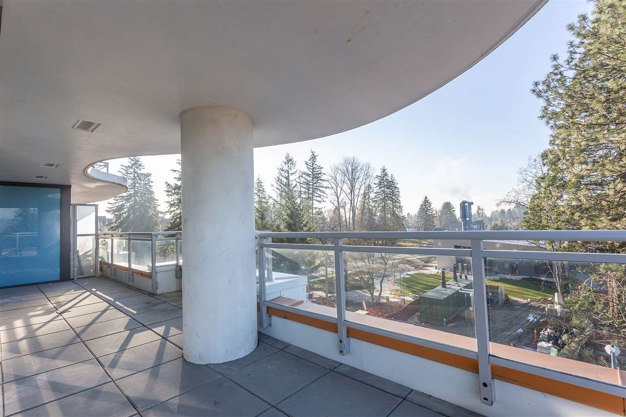 """Main Photo: 401 13303 CENTRAL Avenue in Surrey: Whalley Condo for sale in """"THE WAVE"""" (North Surrey)  : MLS®# R2362951"""
