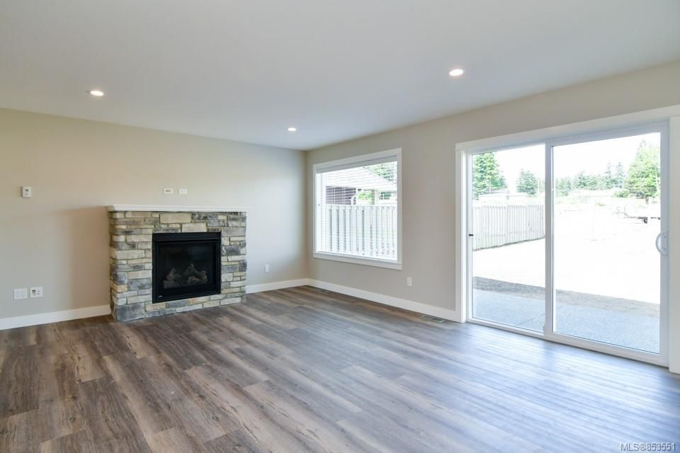 Photo 6: Photos: 492 Park Forest Dr in : CR Campbell River Central House for sale (Campbell River)  : MLS®# 853551