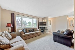 Photo 3: 1051 Pinecliff Drive NE in Calgary: Pineridge Detached for sale : MLS®# A1131055