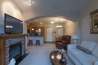 """Photo 9: 404 33485 SOUTH FRASER Way in Abbotsford: Central Abbotsford Condo for sale in """"CITADEL RIDGE"""" : MLS®# R2320305"""