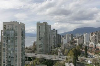 Photo 6: 1704 1455 HOWE STREET in Vancouver: Yaletown Condo for sale (Vancouver West)  : MLS®# R2263056