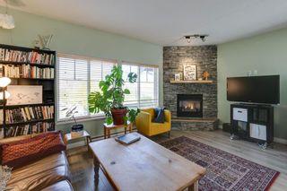 """Photo 4: 11 1800 MAMQUAM Road in Squamish: Garibaldi Estates Townhouse for sale in """"Virescence"""" : MLS®# R2315054"""