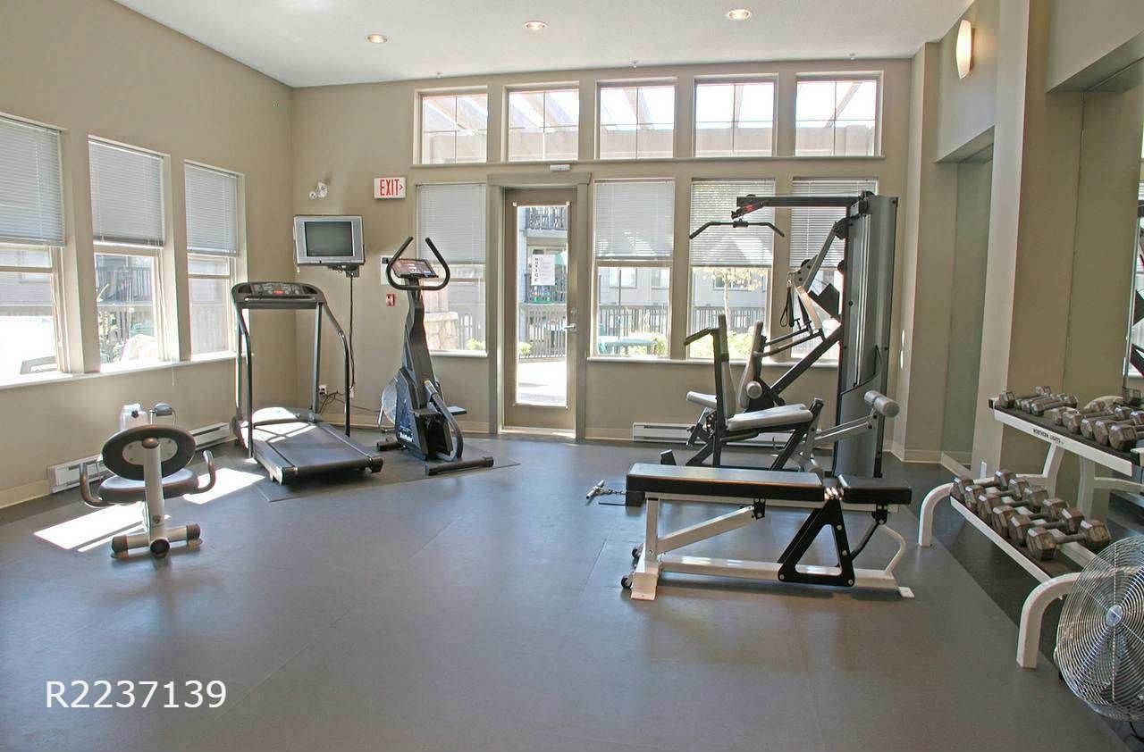 """Photo 15: Photos: 309 2968 SILVER SPRINGS Boulevard in Coquitlam: Westwood Plateau Condo for sale in """"TAMARISK"""" : MLS®# R2237139"""
