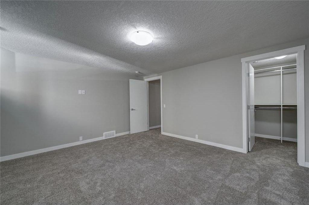 Photo 43: Photos: 210 OAKMOOR Place SW in Calgary: Oakridge House for sale : MLS®# C4111441
