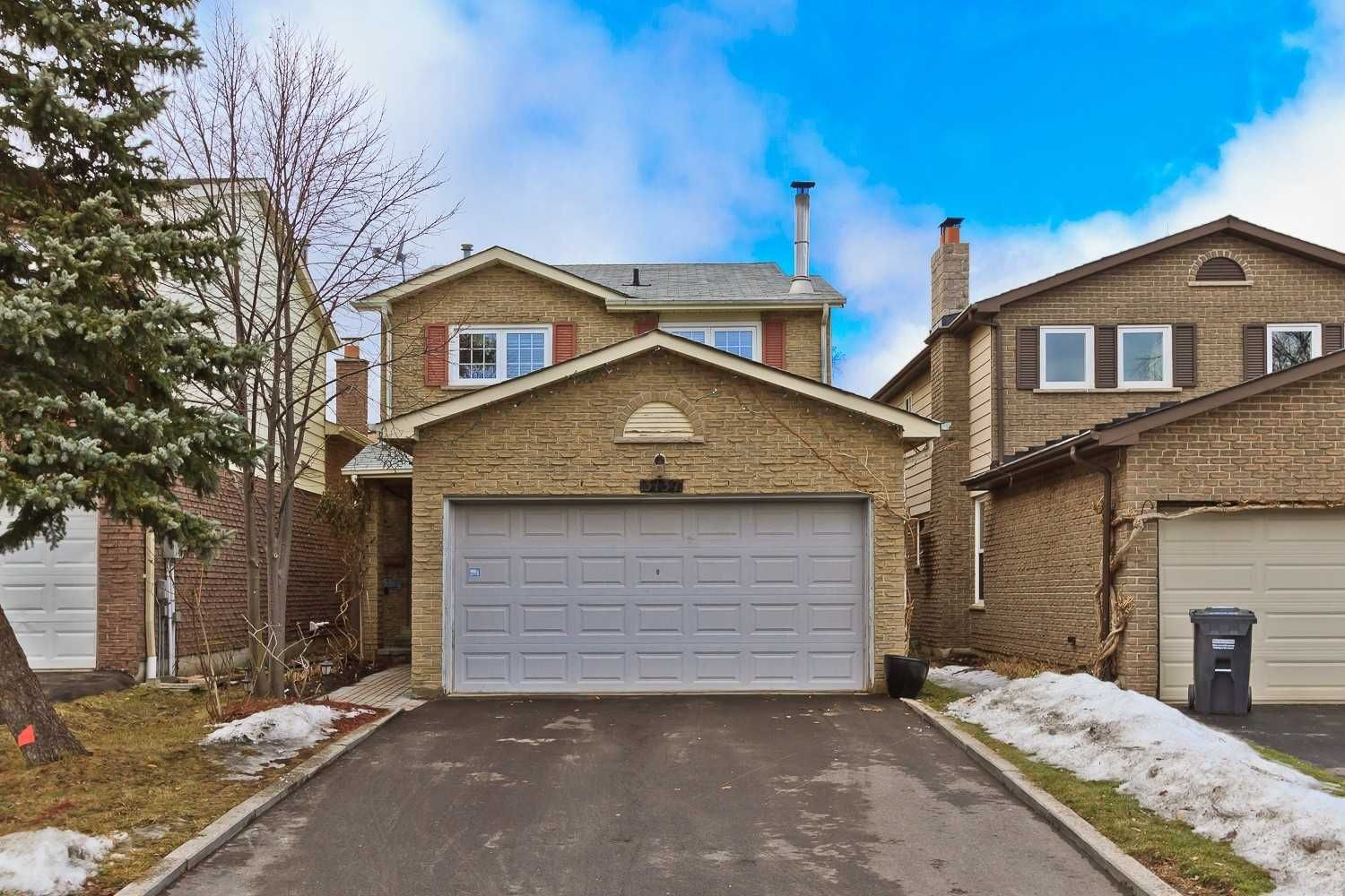 Main Photo: 3137 Harris Crescent in Mississauga: Meadowvale House (2-Storey) for sale : MLS®# W4353585