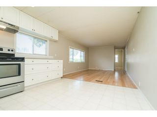 """Photo 13: 20 24330 FRASER Highway in Langley: Otter District Manufactured Home for sale in """"Langley Grove Estates"""" : MLS®# R2497315"""