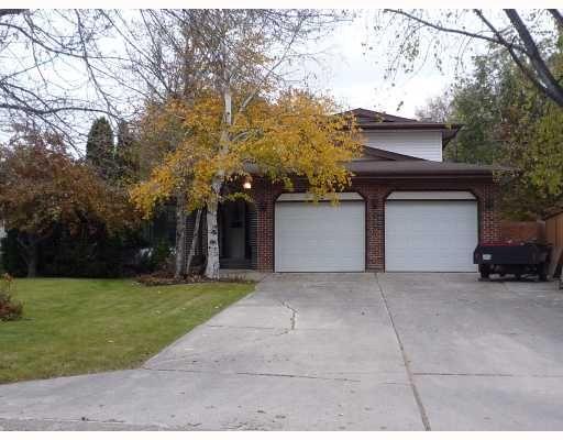 Main Photo: 92 PARK GROVE Drive in WINNIPEG: Windsor Park / Southdale / Island Lakes Residential for sale (South East Winnipeg)  : MLS®# 2919759