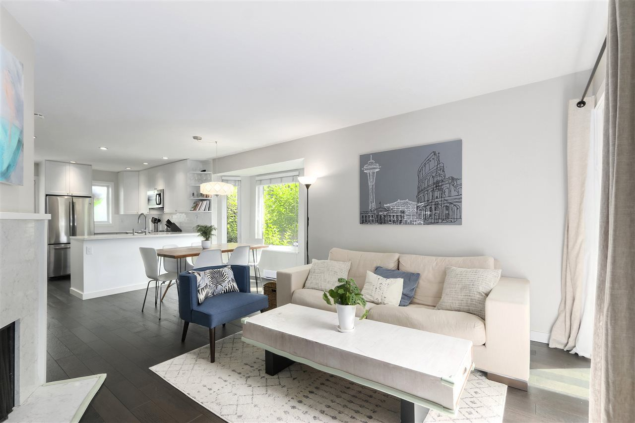 Photo 1: Photos: 154 W 12TH STREET in North Vancouver: Central Lonsdale Townhouse for sale : MLS®# R2487434