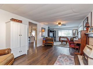 Photo 5: 35281 RIVERSIDE Road: Manufactured Home for sale in Mission: MLS®# R2582946