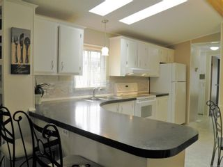 Photo 6: 56 390 Cowichan Ave in : CV Courtenay East Manufactured Home for sale (Comox Valley)  : MLS®# 878554