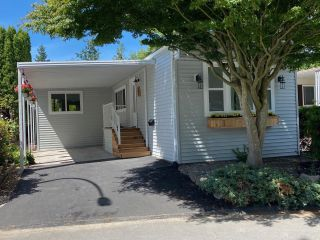 """Photo 1: 282 1840 160 Street in Surrey: King George Corridor Manufactured Home for sale in """"Breakaway Bays"""" (South Surrey White Rock)  : MLS®# R2602713"""