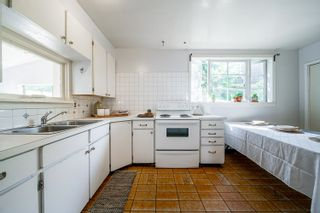 """Photo 11: 316 THIRD Avenue in New Westminster: Queens Park House for sale in """"Queens Park"""" : MLS®# R2619516"""