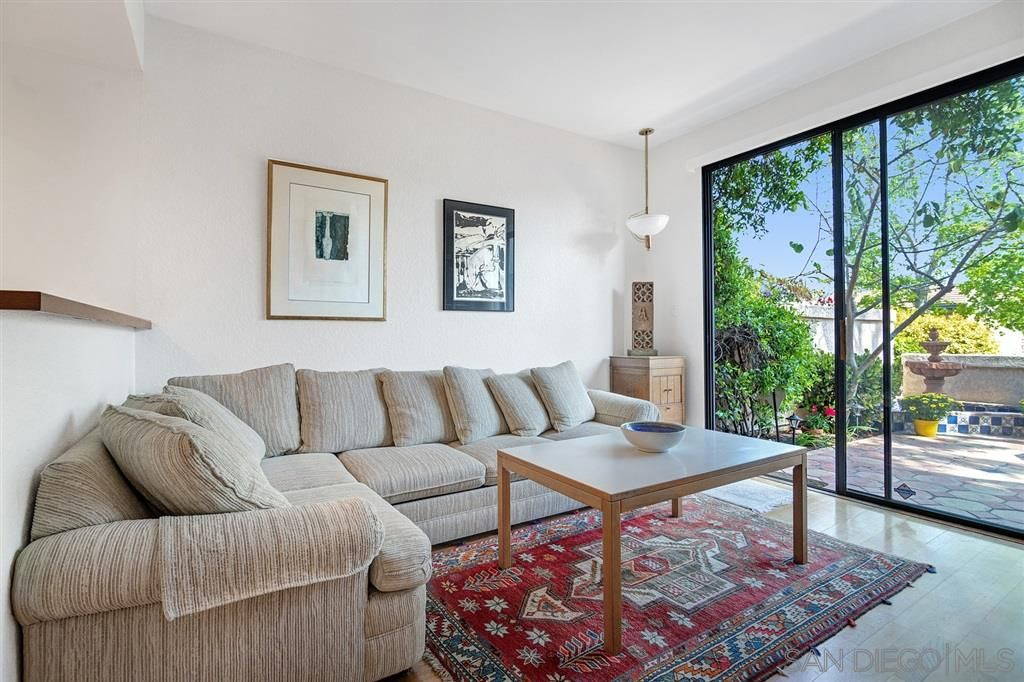 Photo 5: Photos: CARMEL VALLEY Townhouse for rent : 3 bedrooms : 3631 Fallon Circle in San Diego
