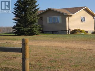 Photo 1: 834043 HIGHWAY 685 in Rural Clear Hills County: House for sale : MLS®# A1050461