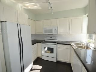 """Photo 10: 408 1445 MARPOLE Avenue in Vancouver: Fairview VW Condo for sale in """"HYCROFT TOWERS"""" (Vancouver West)  : MLS®# R2047974"""