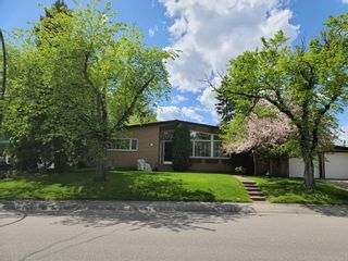 Photo 2: 2304 LONGRIDGE Drive SW in Calgary: North Glenmore Park Detached for sale : MLS®# A1015569