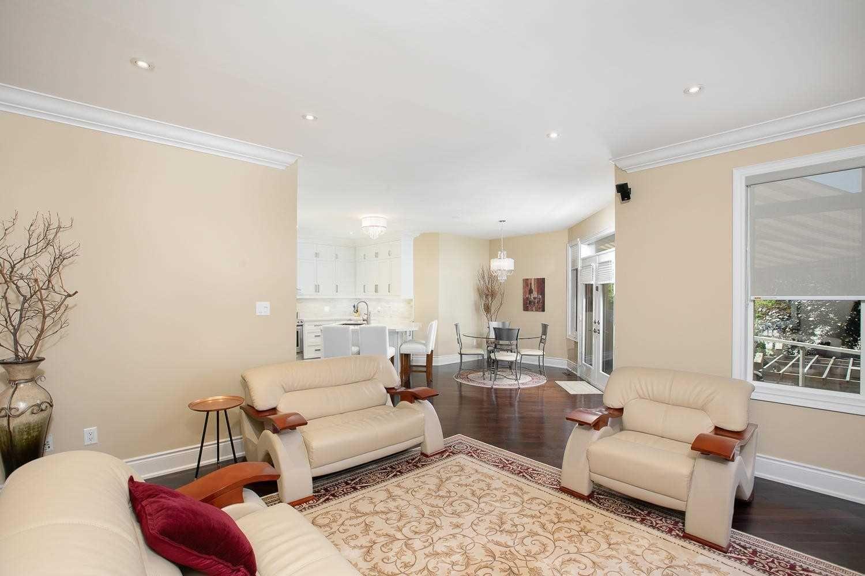 Photo 12: Photos: 1006 Ivsbridge Boulevard in Newmarket: Stonehaven-Wyndham House (Bungalow) for sale : MLS®# N4496159