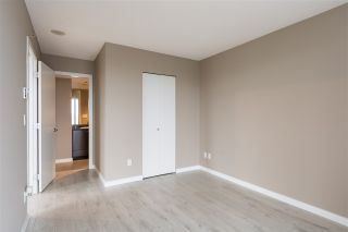 """Photo 2: 1107 39 SIXTH Street in New Westminster: Downtown NW Condo for sale in """"QUANTUM"""" : MLS®# R2371765"""