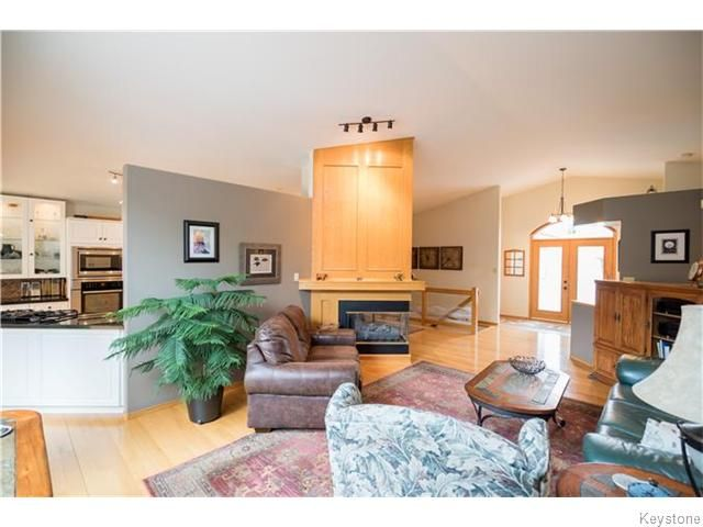 Photo 4: Photos: 2 MENARD Place in Elie: Residential for sale