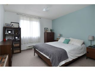 """Photo 7: 1335 - 1337 WALNUT Street in Vancouver: Kitsilano House for sale in """"Kits Point"""" (Vancouver West)  : MLS®# V1103862"""