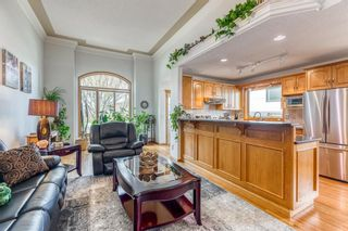 Photo 8: 628 24 Avenue NW in Calgary: Mount Pleasant Semi Detached for sale : MLS®# A1099883