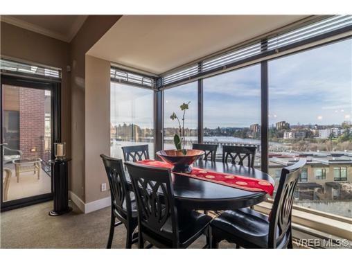 Main Photo: 402 300 Waterfront Cres in VICTORIA: Vi Rock Bay Condo for sale (Victoria)  : MLS®# 723827