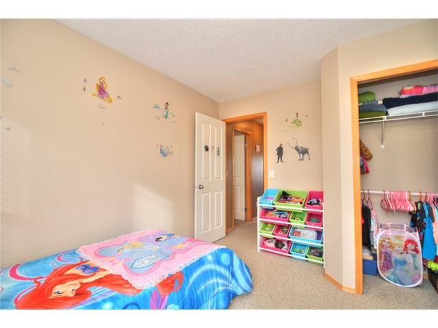 Photo 18: Photos: 304 EVERSYDE Circle SW in Calgary: Evergreen House for sale : MLS®# C4035934